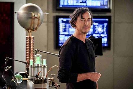 The Flash  5x12 (5).jpg