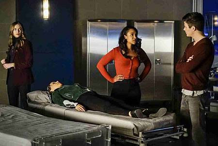 The Flash  5x12 (11).jpg