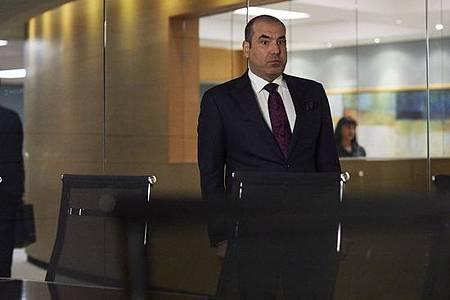 Suits S08B (3).jpg