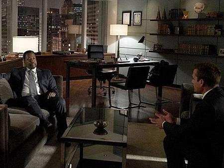 Suits S08B (6).jpg