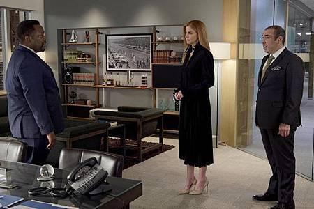Suits S08B (11).jpg