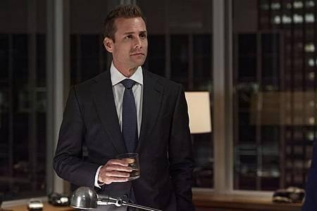 Suits S08B (12).jpg