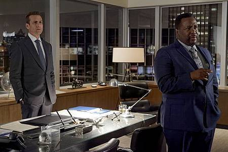 Suits S08B (13).jpg