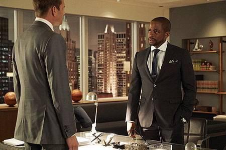 Suits S08B (14).jpg