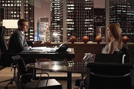 Suits S08B (15).jpg