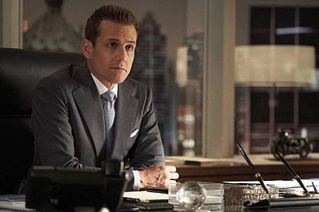 Suits S08B (16).jpg