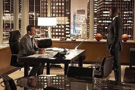 Suits S08B (17).jpg