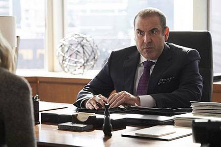 Suits S08B (21).jpg