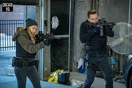 Chicago PD 6x13 (5).jpg