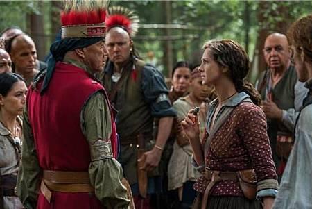 Outlander S04set (3).jpg