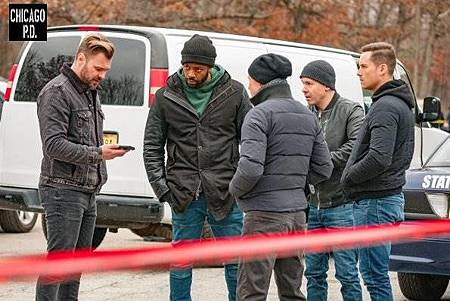 Chicago PD 6x14 (12).jpg