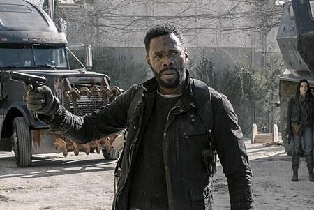 Fear the Walking Dead S05 (4).jpg