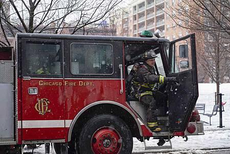 Chicago Fire 7x15交叉(21).jpg