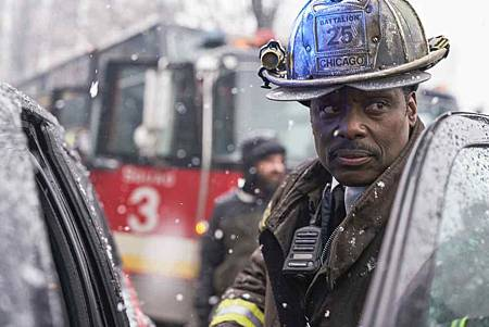 Chicago Fire 7x15交叉(23).jpg