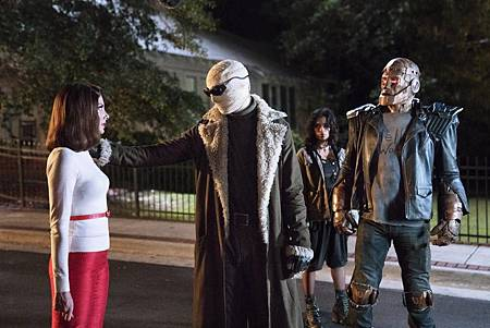 The Doom Patrol S01 (16).jpg