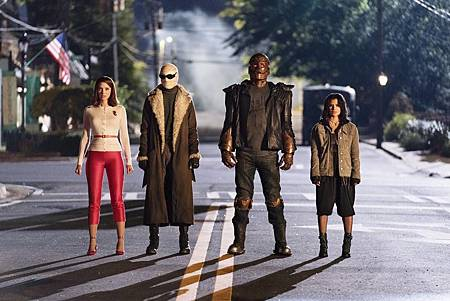 The Doom Patrol S01 (18).jpg