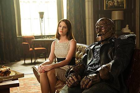The Doom Patrol S01 (21).jpg
