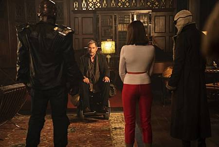 The Doom Patrol S01 (25).jpg