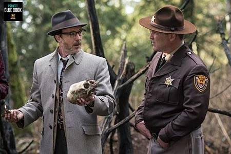 Project Blue Book 1x7 (3).jpg