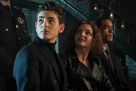 Gotham 5x9 (4).jpg