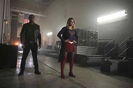 Supergirl 4x13 (15).jpg