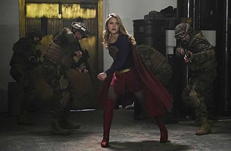 Supergirl 4x13 (17).jpg