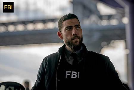 FBI 1×16 (9).jpg