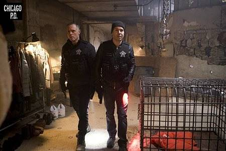 Chicago PD 6x16 (1).jpg
