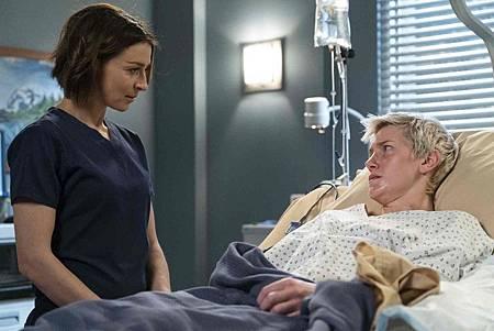 Grey's Anatomy 15x18 (1).jpg