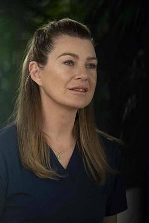 Grey's Anatomy 15x18 (5).jpg