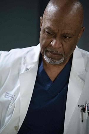 Grey's Anatomy 15x18 (6).jpg