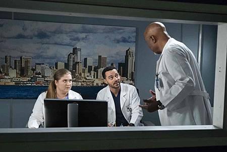 Grey's Anatomy 15x18 (8).jpg