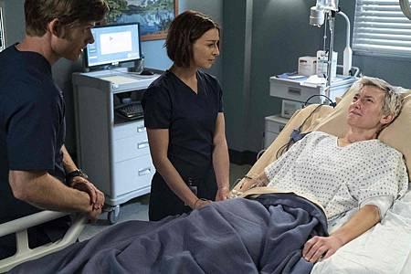 Grey's Anatomy 15x18 (18).jpg
