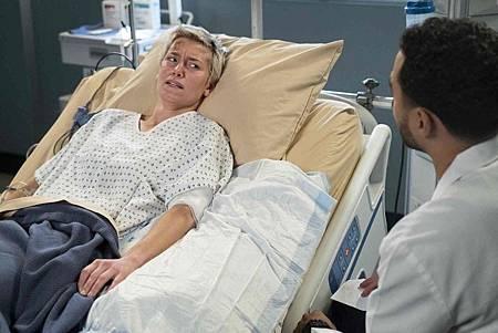 Grey's Anatomy 15x18 (19).jpg