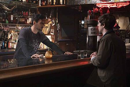 The Good Doctor 2x18 (20).jpg