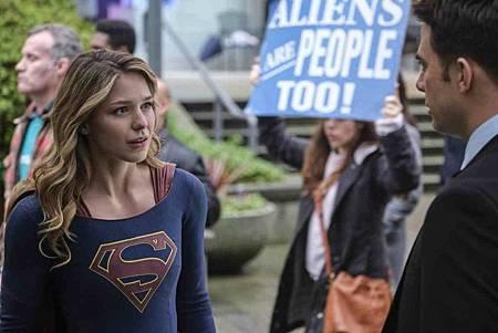 Supergirl 4x14 (12).jpg