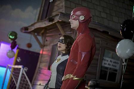 The Flash  5x17 (6).jpg