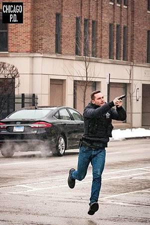 Chicago PD 6x17(18).jpg