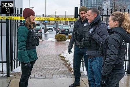 Chicago PD 6x17(19).jpg