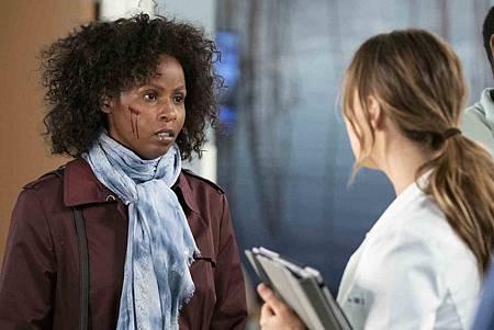 Grey's Anatomy 15x19 (6).jpg