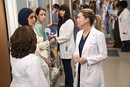 Grey's Anatomy 15x19 (13).jpg