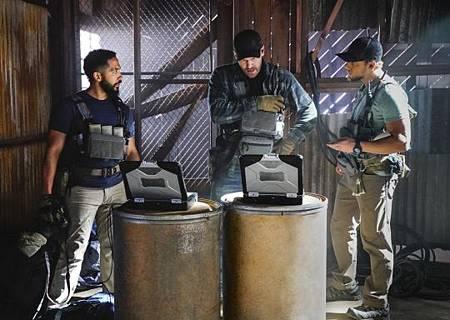 SEAL Team 2x14-03.jpg