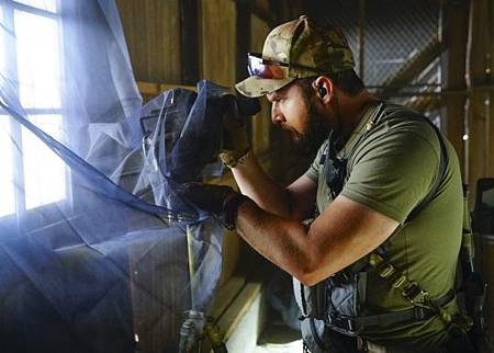 SEAL Team 2x14-13.jpg