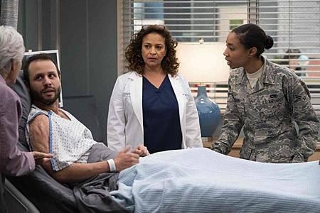 Grey's Anatomy 15x20 (15).jpg