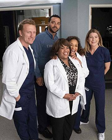 Grey's Anatomy 15x20 (18).jpg