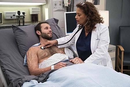 Grey's Anatomy 15x20 (20).jpg