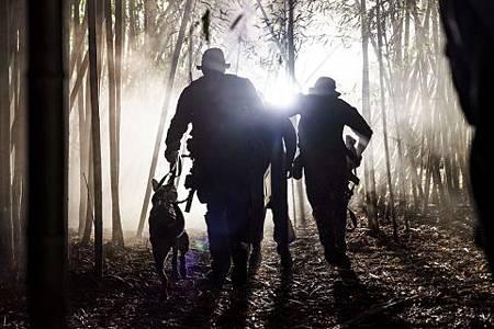 SEAL Team 2x16-01.jpg