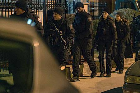 Chicago PD 6x18 (7).jpg