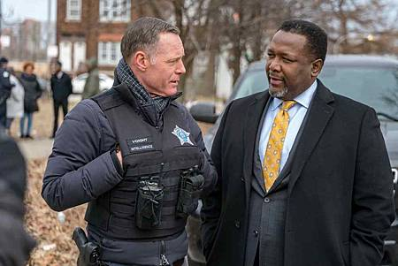 Chicago PD 6x18 (16).jpg