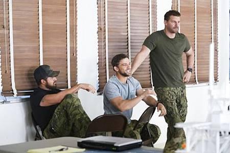 SEAL Team 2x17-04.jpg